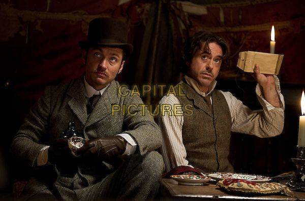 JUDE LAW & ROBERT DOWNEY JR..in Sherlock Holmes: A Game of Shadows.*Filmstill - Editorial Use Only*.CAP/FB.Supplied by Capital Pictures.