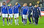 23.10.2010, Commerzbank-Arena, Frankfurt, GER, 1. FBL, Eintracht Frankfurt vs Schalke 04, im Bild haengende Koepfe bei den Schalkern, Foto © nph / Roth