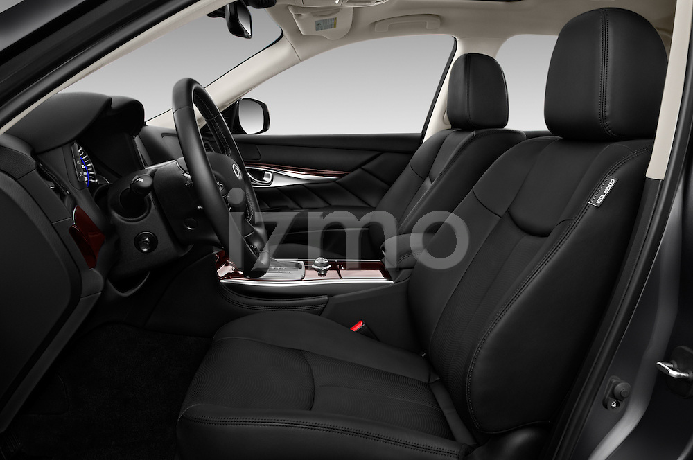 Front seat view of 2018 Infiniti Q70 Hybrid 4 Door Sedan Front Seat  car photos
