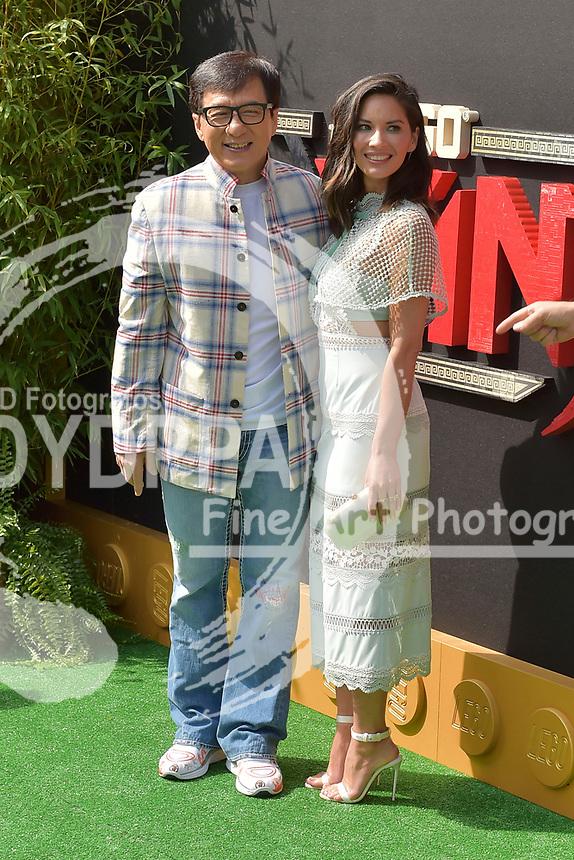 Jackie Chan und Olivia Munn bei der Premiere des Kinifilme 'The LEGO Ninjago Movie' im Regency Village Theatre. Westwood, 16.09.2017