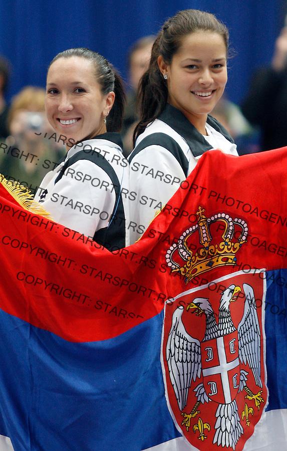 Tenis, Federation Cup.Serbia Vs. Holland.Jelena Jankovic Vs. Arantxa Rus.Jelena Jankovic and Ana Ivanovic.Budapest, 02.02.2008..foto: Srdjan Stevanovic