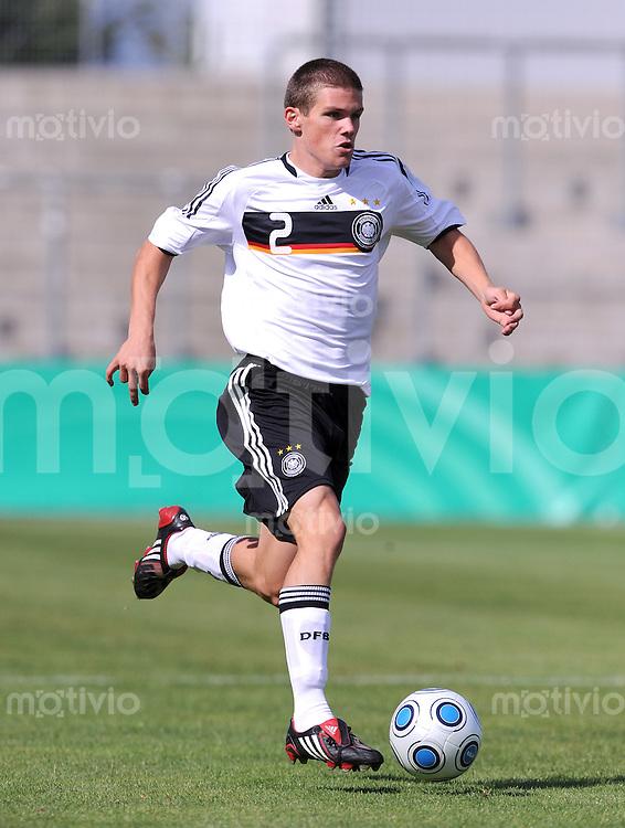 Fussball Nationalmannschaft :  Saison   2009/2010   05.09.2009 U20 : Deutschland - Suedafrika , GER - RSA ,   Sebastian Jung (GER)