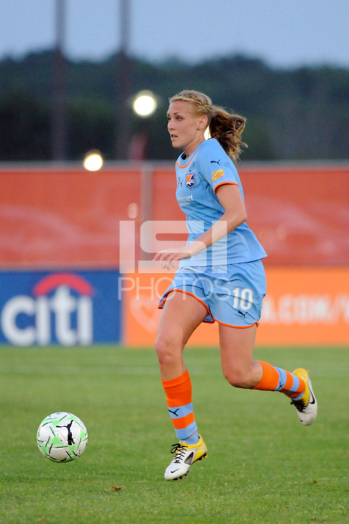 Allie Long (10) of Sky Blue FC. Sky Blue FC defeated the Boston Breakers 2-1 during a Women's Professional Soccer (WPS) match at Yurcak Field in Piscataway, NJ, on May 28, 2011.