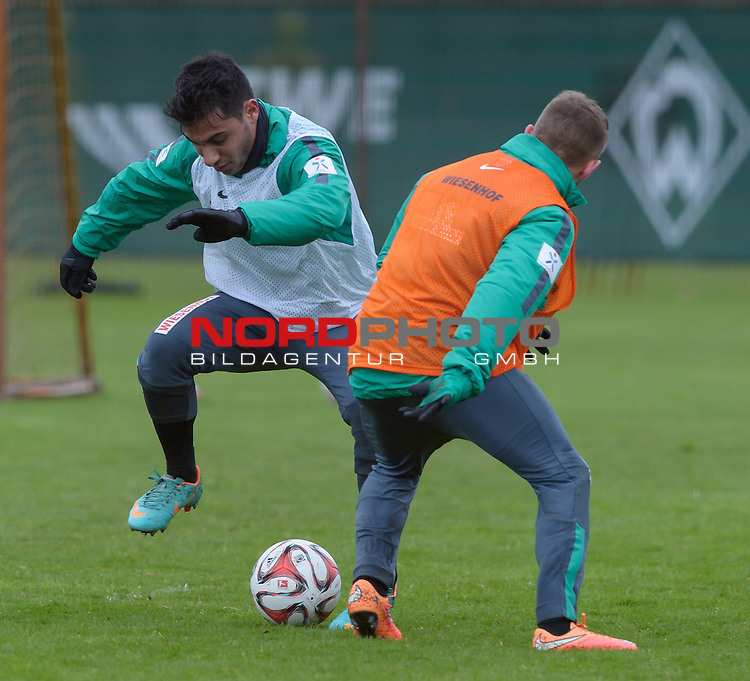 01.04.2015, Trainingsgelaende, Bremen, GER, 1.FBL, Training Werder Bremen, im Bild &Ouml;zkan / Oezkan Yildirim (Bremen #17), Levent Aycicek (Bremen #21)<br /> <br /> Foto &copy; nordphoto / Frisch