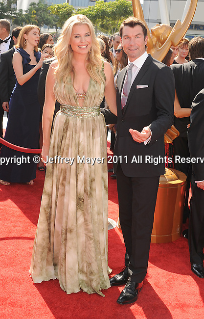 LOS ANGELES, CA - SEPTEMBER 10: Rebecca Romijn and Jerry O'Connell  attend the 2011 Primetime Creative Arts Emmy Awards at Nokia Theatre L.A. Live on September 10, 2011 in Los Angeles, California.