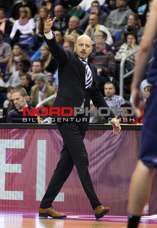 03.01.2014, O2 world, Berlin, GER, 1.BBL, ALBA Berlin vs EWE Baskets Oldenburg, im Bild Cheftrainer (Head Coach) Sasa Obradovic (ALBA Berlin)<br /> <br />               <br /> Foto &copy; nordphoto /  Schulz
