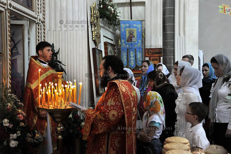 05 Mag 2013 Milano: Pasqua nella chiesa Cristiano Ortodossa di largo Corsia dei Servi.May 05, 2013 Milan: Easter in the Orthodox Christian Church
