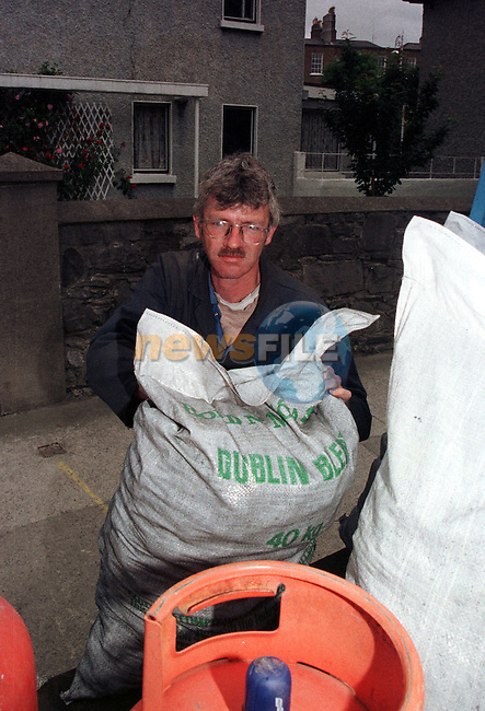 Patrick Dunne coal Merchant from Baggot street in Dublin.Pic Fran Caffrey / Newsfile