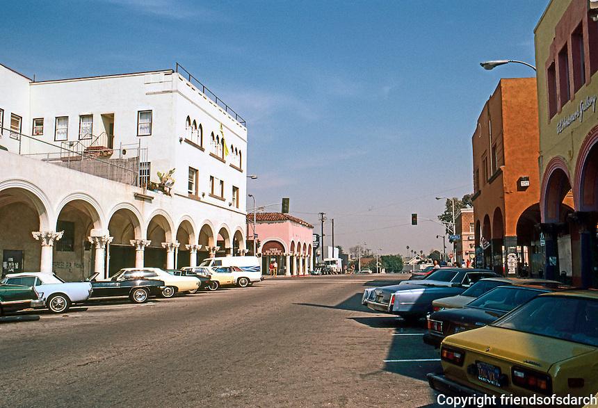 Venice CA: The Old Center, Windward Ave., 1904.  Photo '82.