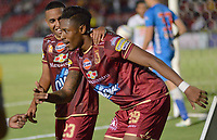IBAGUÉ - COLOMBIA, 04-09-2018: Omar Albornoz jugador del Deportes Tolima celebra después de anotar el segundo gol de su equipo a Atletico Huila durante partido por la fecha 8 de la Liga Águila II 2018 jugado en el estadio Manuel Murillo Toro de Ibagué. / Omar Albornoz player of Deportes Tolima celebrates after scoring the second goal of his team to Atletico Huila during match for date 8 of the Aguila League II 2018 played at Manuel Murillo Toro stadium in Ibague city. Photo: VizzorImage / Juan Carlos Escobar / Cont