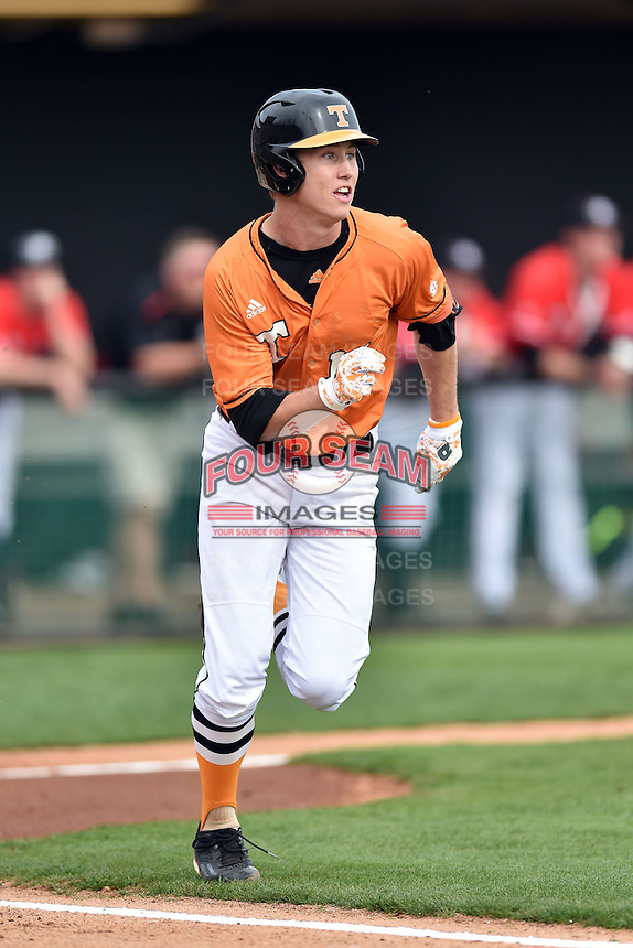 Tennessee Volunteers shortstop A.J. Simcox (10) runs to first during a game against the Georgia Bulldogs at Lindsey Nelson Stadium March 21, 2015 in Knoxville, Tennessee. The Bulldogs defeated the Volunteers 12-7. (Tony Farlow/Four Seam Images)