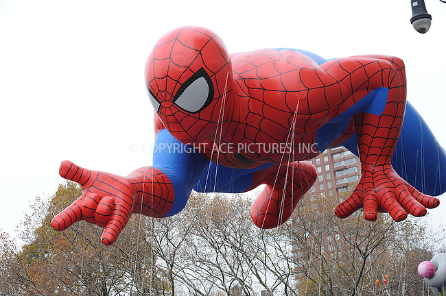 WWW.ACEPIXS.COM . . . . . ....November 25 2010, New York City....Atmosphere at the 84th annual Macy's Thanksgiving Parade on November 25 2010 in New York City....Please byline: KRISTIN CALLAHAN - ACEPIXS.COM.. . . . . . ..Ace Pictures, Inc:  ..(212) 243-8787 or (646) 679 0430..e-mail: picturedesk@acepixs.com..web: http://www.acepixs.com