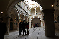 Königspalast von Game of Thrones in der Altstadt von Dubrovnik - 25.11.2017: Dubrovnik mit der Costa Deliziosa