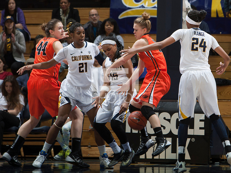 Brittany Boyd of California tries to grab a loose ball during the game against Oregon State at Haas Pavilion in Berkeley, California on January 3rd, 2014.  California defeated Oregon State, 72-63.