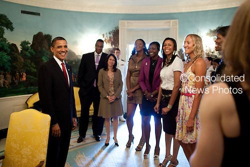 Washington, DC - July 27, 2009 -- United States President Barack Obama meets with WNBA Champions, the Detroit Shock on Monday, July 27, 2009.  .Mandatory Credit: Pete Souza - White House via CNP