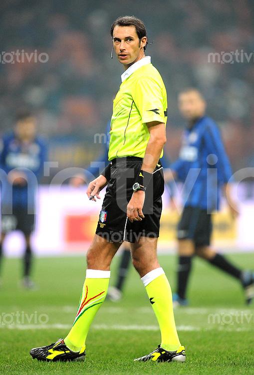 FUSSBALL INTERNATIONAL   SERIE A   SAISON 2011/2012    Inter Mailand - Udinese Calcio   03.12.2011 Schiedsrichter Andrea Gervasoni