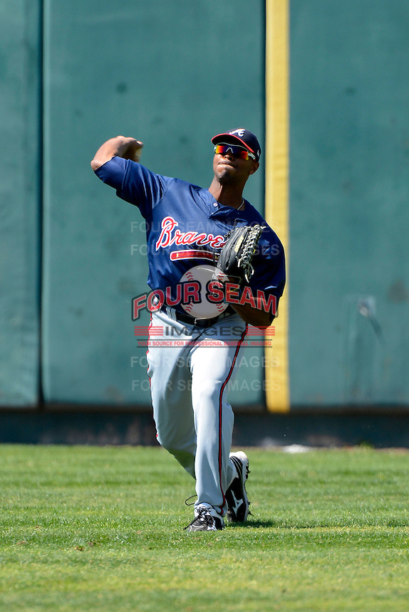Atlanta Braves outfielder Blake Brown #33 during practice before a minor league Spring Training game against the Philadelphia Phillies at Al Lang Field on March 14, 2013 in St. Petersburg, Florida.  (Mike Janes/Four Seam Images)