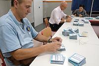 Referendum cittadini. Preparazione dei seggi. Milano, 11 giugno 2011...Public Referendums. Preparation of polling stations. Milan, June 11, 2011