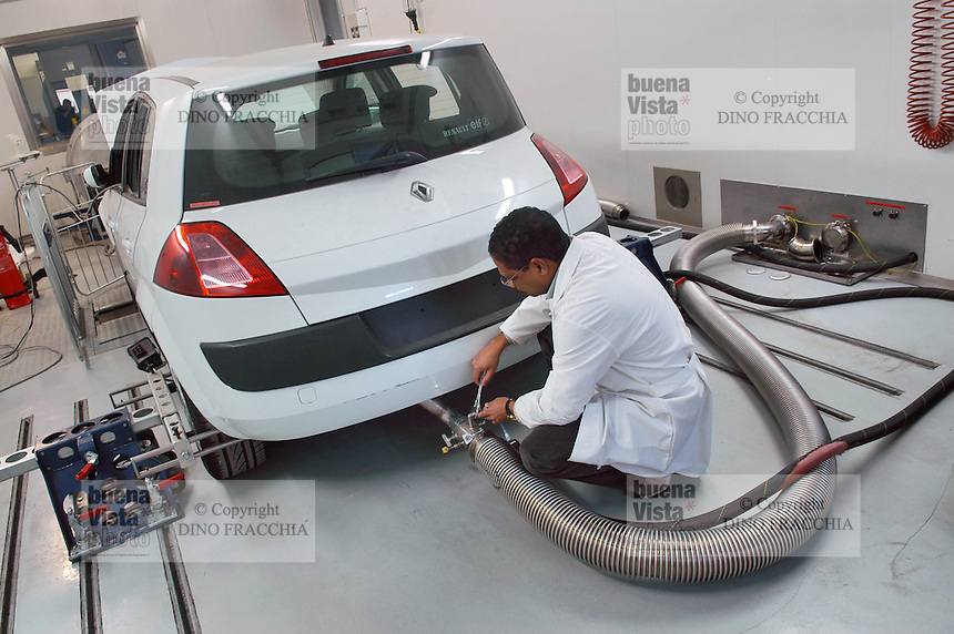 - JRC, Joint European Research Center, Institute for the Atmosphere and the sustainability, VELA laboratory (Vehicle Emissions Laboratory) for the certification of the parameters of Euro4 and Euro5 motor vehicles emissions....- JRC, Centro Ricerca Europeo, Istituto per l'Ambiente e la Sostenibilità, laboratorio VELA (Vehicle Emissions Laboratory) per la certificazione dei parametri delle emissioni Euro4 ed Euro5 degli autoveicoli