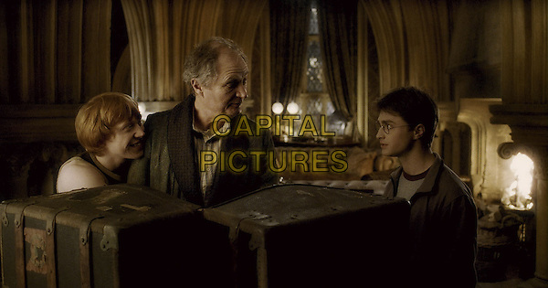 RUPERT GRINT, JIM BROADBENT & DANIEL RADCLIFFE.in Harry Potter and the Half-Blood Prince.*Filmstill - Editorial Use Only*.CAP/FB.Supplied by Capital Pictures.
