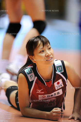 Yoshie Takeshita (JPN), NOVEMBER 3rd, 2010 - Volleyball : .2010 FIVB Women's Volleyball World Championship First Round Pool A match between Japan 3-1 Serbia at Yoyogi 1st Gymnasium in Tokyo, Japan. (Photo by AZUL/AFLO)