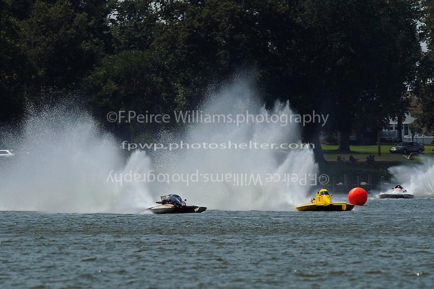 "End of first lap, final heat: Chuck Miller, Jr., NM-200 ""Mrjr's Lauterbach Special"" and Thom Heins, NM-30 ""Pennzoil Big Bird"" (National Mod hydroplane(s)"