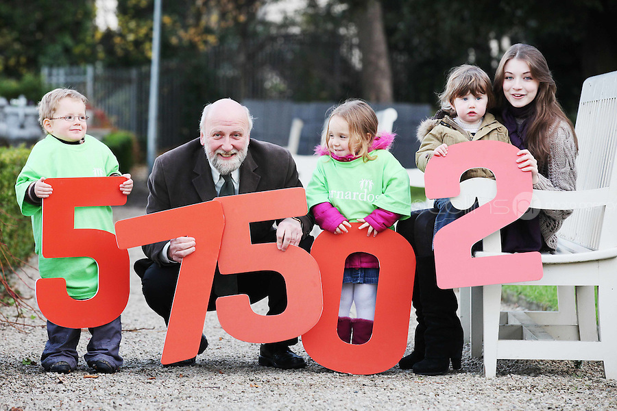 """NO REPRO FEE. 18/11/2010. METEOR CHRISTMAS TEXT APPEAL. Actress and Barnardos Ambassador Sarah Bolger and Barnardos CEO Fergus Finlay are pictured with Thomad Donoghue 3, Alice Davies 3 and Ruby Glynn 2 in the grounds of IMMA to launch the Meteor Christmas text appeal to raise urgently needed funds for Barnardos this Christmas. Meteor customers can donate EUR2 with every cent going to the charity, by simply texting """"Barnardos"""" tp 57502. Picture James Horan/Collins Photos"""