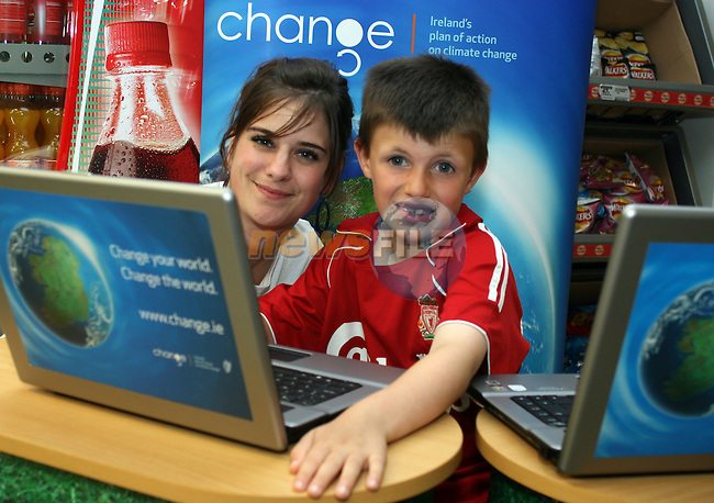 Odessa Stafford and Andrew McDonnell at the Climate Change Campaign in Tesco, Dundalk...Photo NEWSFILE/Jenny Matthews.(Photo credit should read Jenny Matthews/NEWSFILE)....This Picture has been sent you under the condtions enclosed by:.Newsfile Ltd..The Studio,.Millmount Abbey,.Drogheda,.Co Meath..Ireland..Tel: +353(0)41-9871240.Fax: +353(0)41-9871260.GSM: +353(0)86-2500958.email: pictures@newsfile.ie.www.newsfile.ie.FTP: 193.120.102.198.
