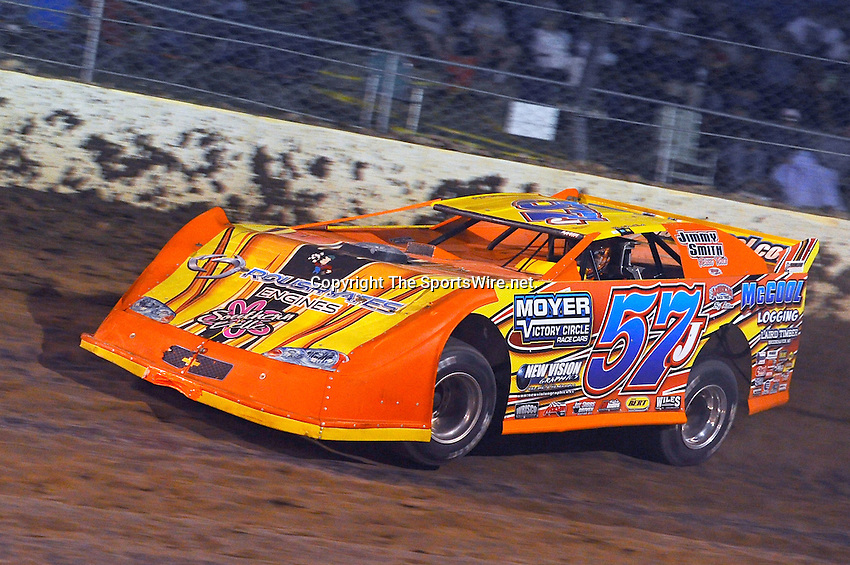 Sep 10, 2010; 8:22:40 PM; Rossburg, OH., USA; The 40th annual running of the World 100 Dirt Late Models racing for the Globe trophy at the Eldora Speedway.  Mandatory Credit: (thesportswire.net)