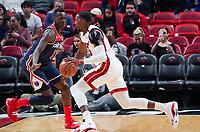 Bam Adebayo (C/F Miami Heat, #13) gegen Isaac Bonga (G/F, Washington Wizards, #17) - 22.01.2020: Miami Heat vs. Washington Wizards, American Airlines Arena