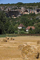 Europe/France/Midi-Pyrénées/46/Lot/Env Saint-Sulpice: aprés la moisson en vallée du Célé