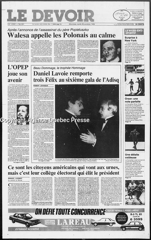 Publication  en couverture du DEVOIR<br /> <br /> Photo : Pierre Roussel