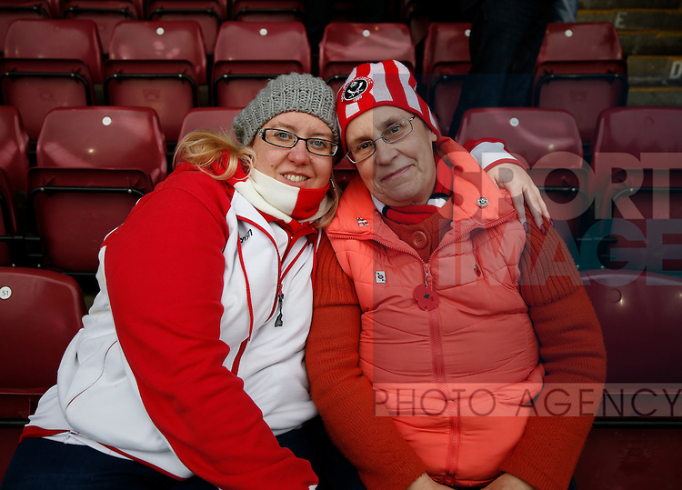 Sheffield Utd fans for Gallery - English League One - Scunthorpe Utd vs Sheffield Utd - Glandford Park Stadium - Scunthorpe - England - 19th December 2015 - Pic Simon Bellis/Sportimage
