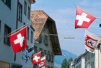 Schweizer Flagge in der Altstadt von Chur, Graubünden, Schweiz