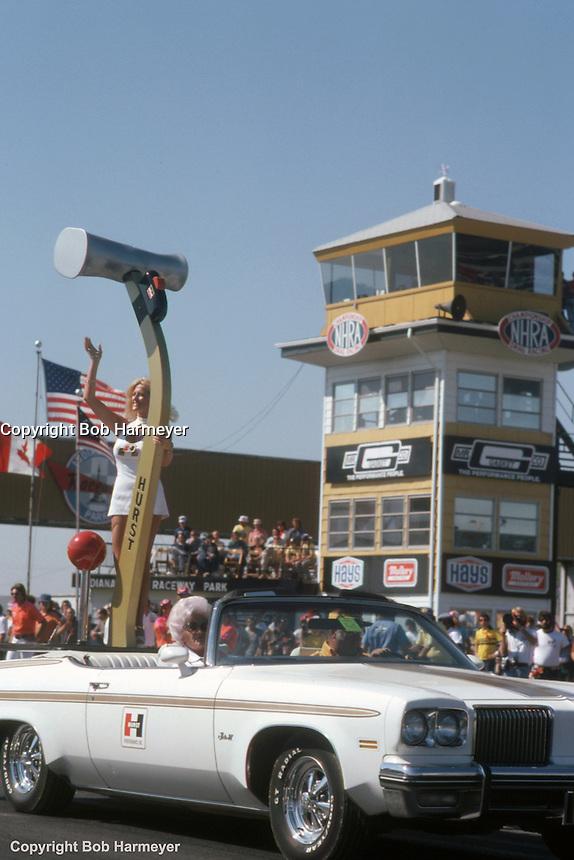 INDIANAPOLIS, INDIANA: Linda Vaughn, Miss Hurst Shifter, at the 1976 NHRA US Nationals drag race in Indianapolis, Indiana.