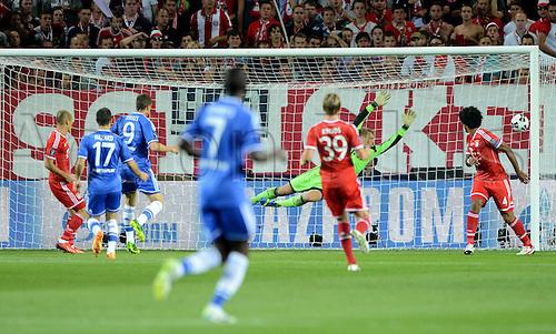 30.08.2013. Prague, Czech Republic.   UEFA Supercup 2013 FC Bayern Munich versus Chelsea. Fernando Torres  Chelsea scores the goal for 0-1 past Goalkeeper Manuel Neuer FC Bavaria Munich