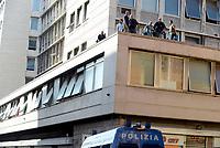 Roma, 19 Agosto 2017<br /> Piazza indipendenza<br /> Polizia sui tetti<br /> Polizia sgombera palazzo occupato da 4 anni da circa 500 rifugiati somali ed eritrei