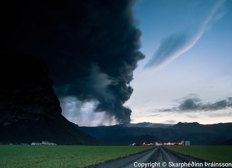 Erupting volcano in Eyjafjallajökull, the farm Þorvaldseyri in Eyjafjöll peninsula, south Iceland