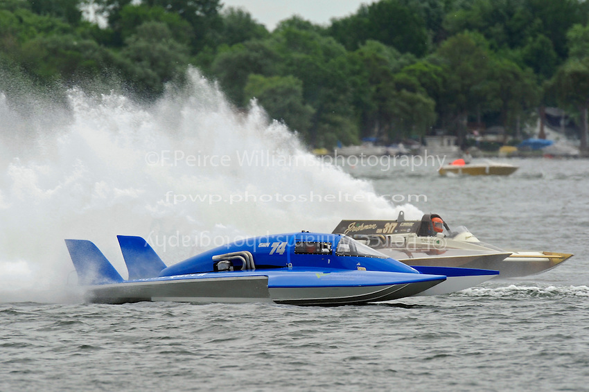 """David Archiable, GNH-74 and Steve Kuhr, GNH-317 """"The Irishman"""" (Grand National Hydroplane(s)"""