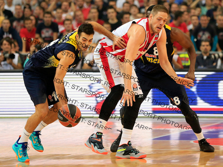 Kosarka Euroleague season 2015-2016<br /> Euroleague <br /> Crvena Zvezda v Fenebahce Istanbul<br /> Kostas Sloukas and Vladimir Stimac<br /> Beograd, 06.11.2015.<br /> foto: Srdjan Stevanovic/Starsportphoto &copy;