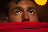 Eyes in faith expect the goal of Spain