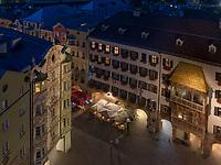 Stra&szlig;enrestaurant,  Herzog-Friedrich-Stra&szlig;e, Innsbruck, Tirol, &Ouml;sterreich, Europa<br /> street restaurant at Herzog-Friedrich St., Innsbruck, Tyrol, Austria, Europe
