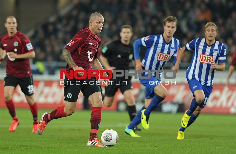 04.10.2013, HDI Arena, Hannover, GER, 1.FBL, Hannover 96 vs Hertha BSC, im Bild Leon Andreasen (Hannover #2)<br /> <br /> Foto &copy; nph / Frisch