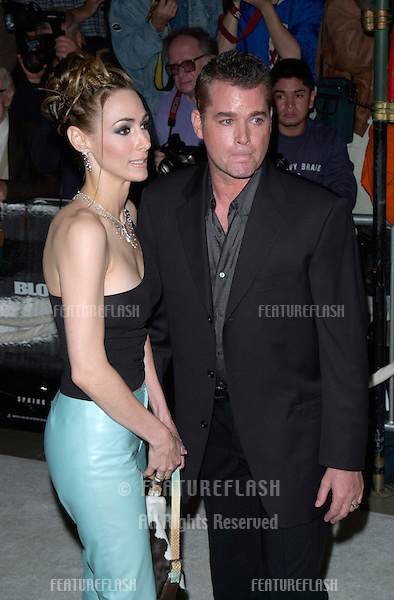 Actor RAY LIOTTA & wife at the Hollywood premiere of his new movie Blow..29MAR2001. © Paul Smith/Featureflash