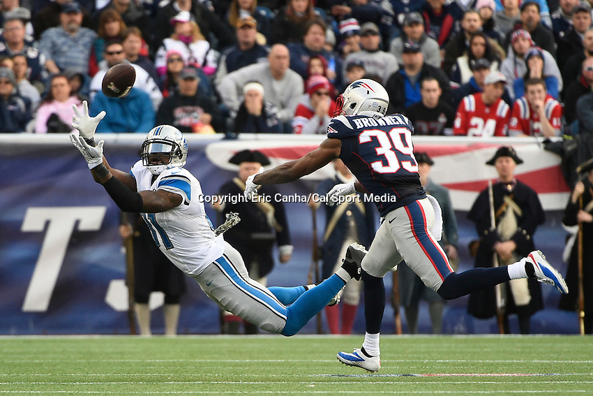 November 23, 2014 - Foxborough, Massachusetts, U.S.- Detroit Lions wide receiver Calvin Johnson (81) lays out for a catch during the NFL game between the Detroit Lions and the New England Patriots held at Gillette Stadium in Foxborough. The Patriots defeated the Lions 34-9. Eric Canha/CSM