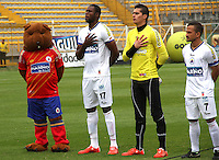 BOGOTA -COLOMBIA, 15-MARZO-2015. El Cuy mascota del Deportivo Pasto acompano a los jugadores durante los himnos. Partido entre Equidad  y Deportivo Pasto juego correspondiente la decima fecha de La Liga Aguila jugado en el estadio Metroplitano de Techo  de  Bogota . /  The Cuy pet   of  Deportivo Pasto  accompanied  to players them during the hymns the tenth round of La Liga Aguila played at Metropolitano de  Techo stadium in Bogota . Photo / VizzorImage / Felipe Caicedo  / Staff