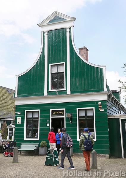Nederland Zaanse Schans  2017 -    De allereerste Albert Heijn winkel staat in Zaanse Schans.  Foto Berlinda van Dam / Hollandse Hoogte