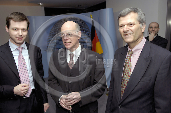 Brussels-Belgium - 05 February 2007---MdB Dr. Norbert LAMMERT (CDU), Member and President of Deutscher Bundestag (German Federal Parliament), during the opening of the Liaison-Office of the German Federal Parliament to the EU; here, Dr. Norbert LAMMERT (ce) with MdB Thomas SILBERHORN (le) and the German Ambassador to the Kingdom of Belgium, Dr. Johann Christoph JESSEN (ri)---Photo: Horst Wagner/eup-images
