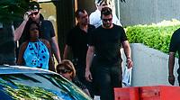 Riky Martin  la salida del hotel fiesta Americana para ofrecer un concierto en Expoforum en Hermosillo Sonora