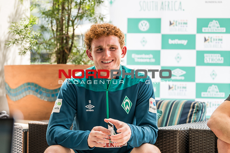 04.01.2019, The Fairway Hotel, Johannesburg, RSA, TL Werder Bremen Johannesburg Tag 03<br /> <br /> im Bild / picture shows <br /> Joshua Sargent (Werder Bremen #19) bei Mixed Zone / Pressetermin w&auml;hrend Wintertrainingslager in S&uuml;dafrika, <br /> <br /> Foto &copy; nordphoto / Ewert